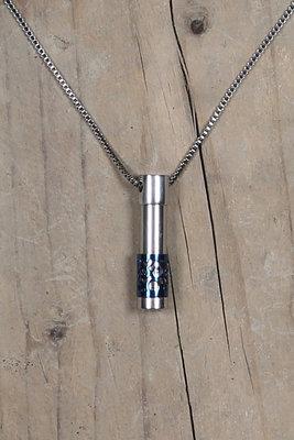 Halo titanium hanger blauw